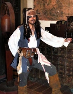 Jack Sparrow impersonator