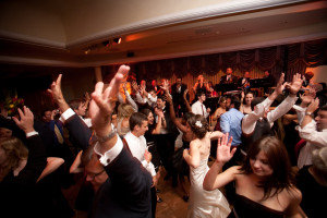 A PACKED DANCE FLOOR AT YOUR EVENT